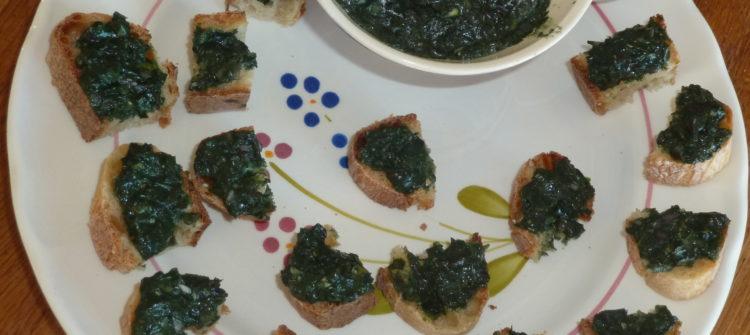 toast de tartare d'algues à la spiruline