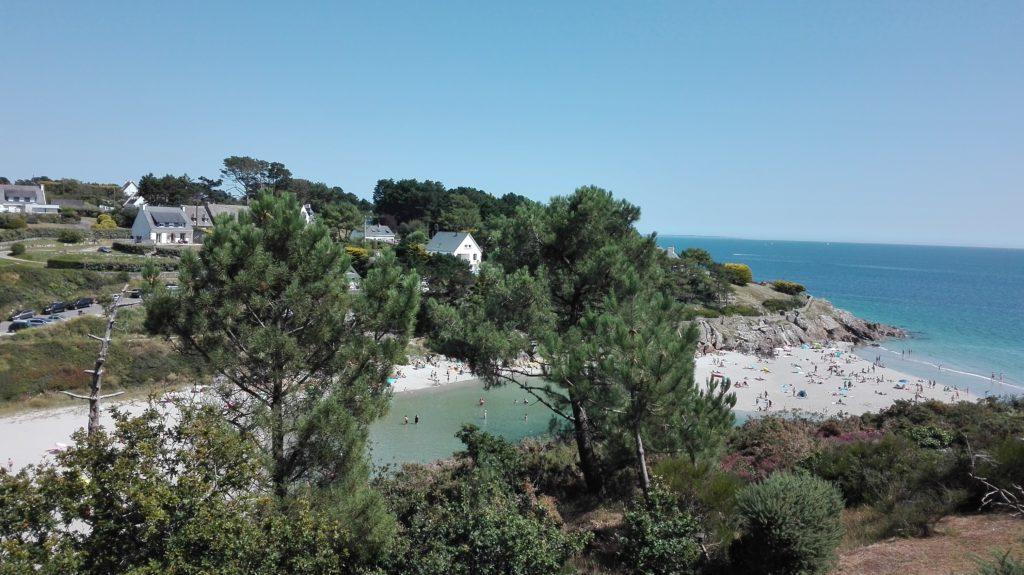 La plage de Rospico offre une piscine pour les enfants à marée haute !